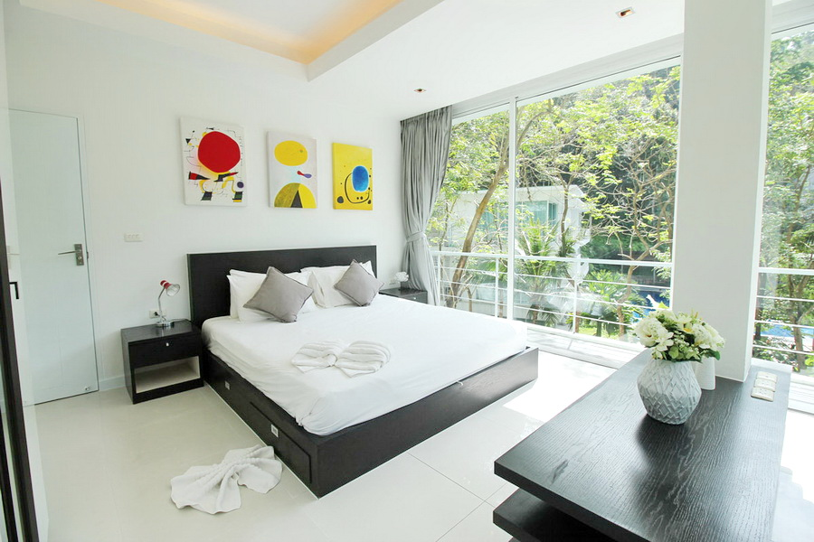 Foreign freehold Condo in Kamala for Sale