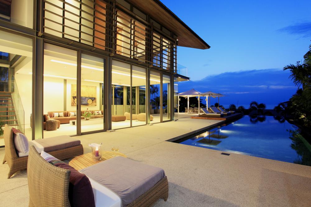 Luxury Villa in Beachfront Estate-v1_6310_9.jpg