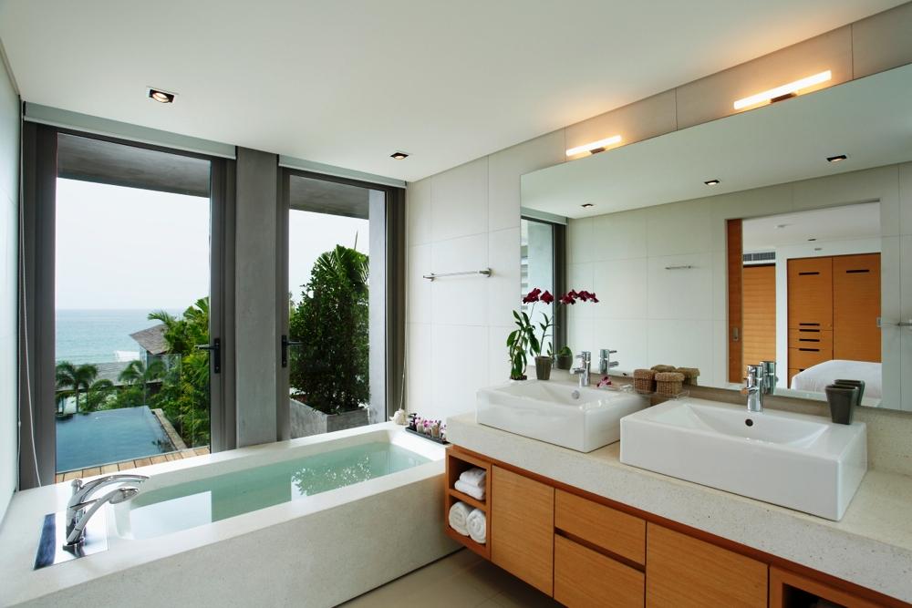 Luxury Villa in Beachfront Estate-v1_7173_7.jpg