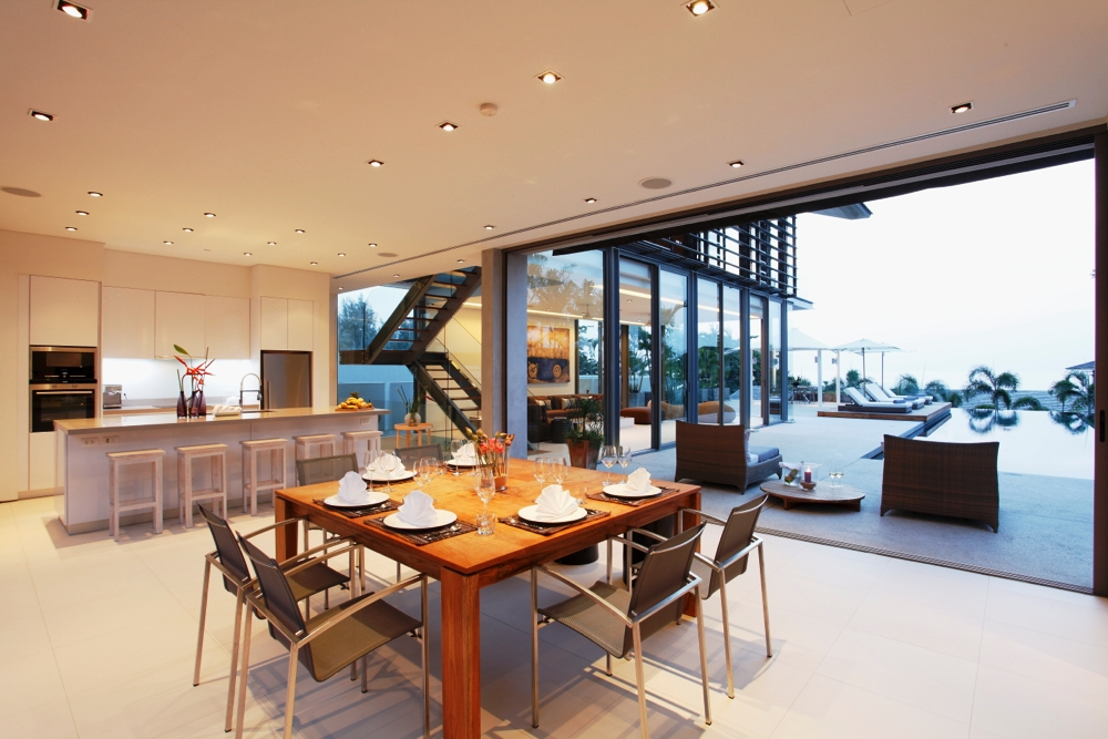 Luxury Villa in Beachfront Estate-v1_8550_3.jpg