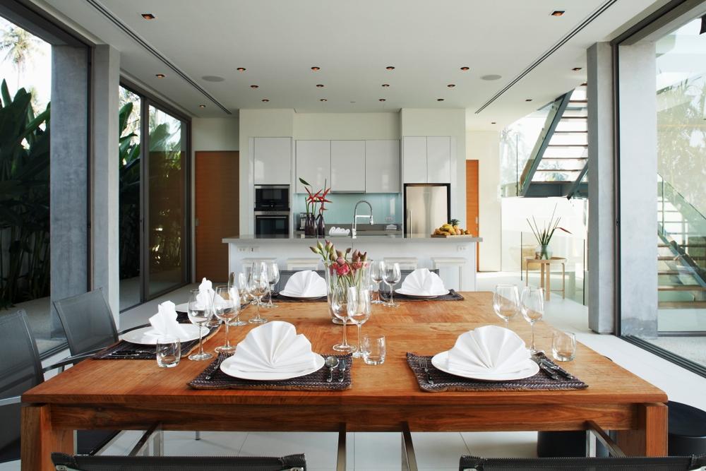 Luxury Villa in Beachfront Estate-v1_9101_4.jpg