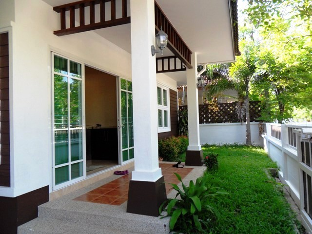 Charming house in Kathu for rent-v1_1395_a.jpg