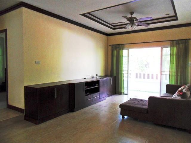 Charming house in Kathu for rent-v1_1858_c.jpg