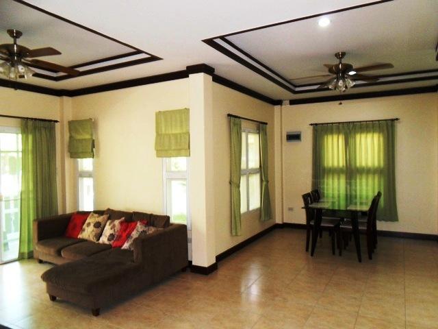Charming house in Kathu for rent-v1_6452_d.jpg