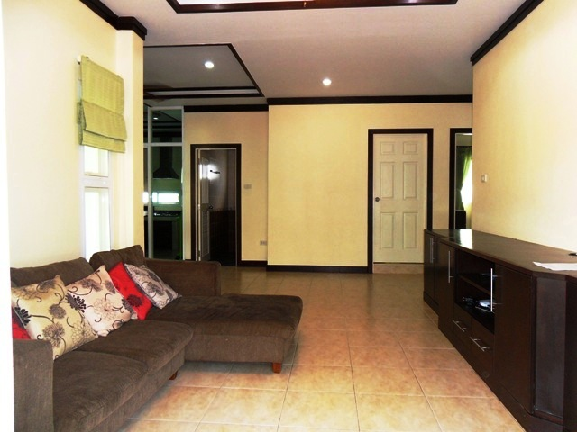 Charming house in Kathu for rent-v1_8566_b.jpg