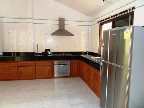 HOT !!! Family house in natural quiet environment for rent-v1_5528_e.jpg