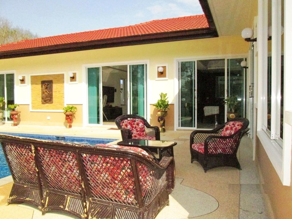 Private pool villa in Thalang for Sale-v1_2976_vtl108-03.jpg