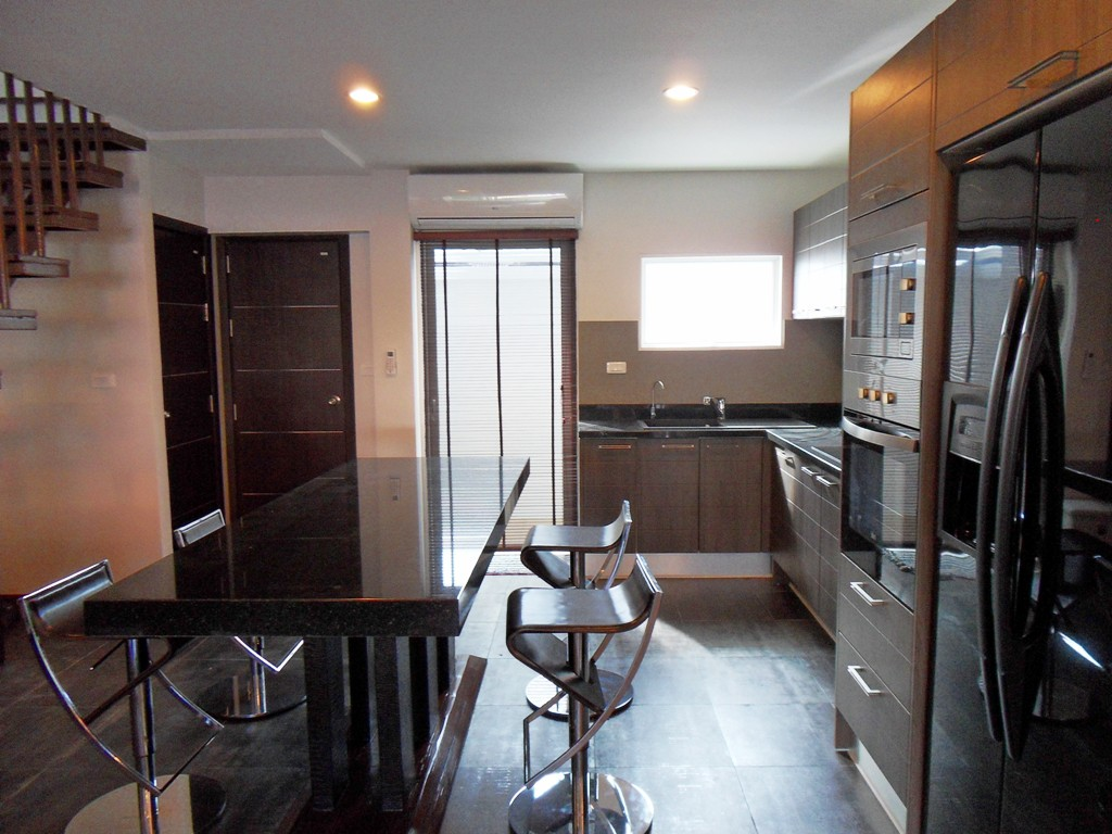 Private townhouse in Kamala for Rent-v1_1363_4.jpg