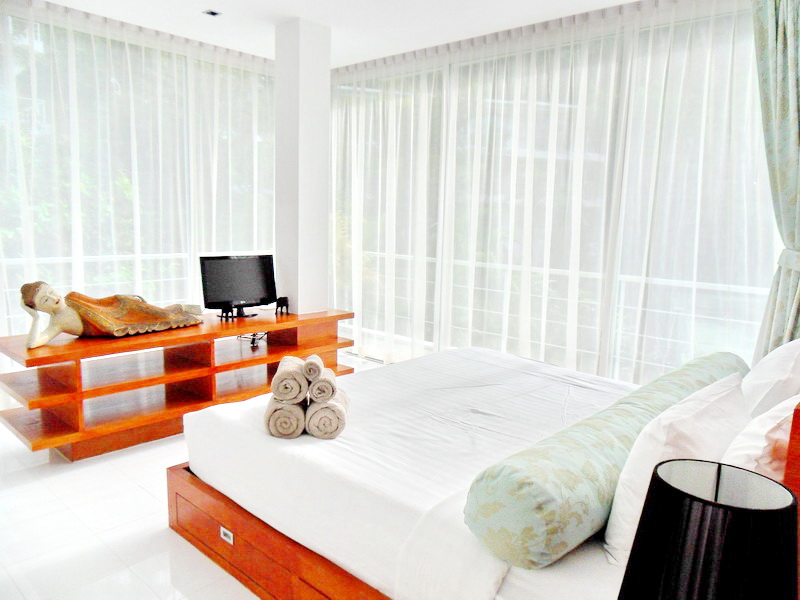 1 Bedroom Modern Apartment in Kamala for Rent