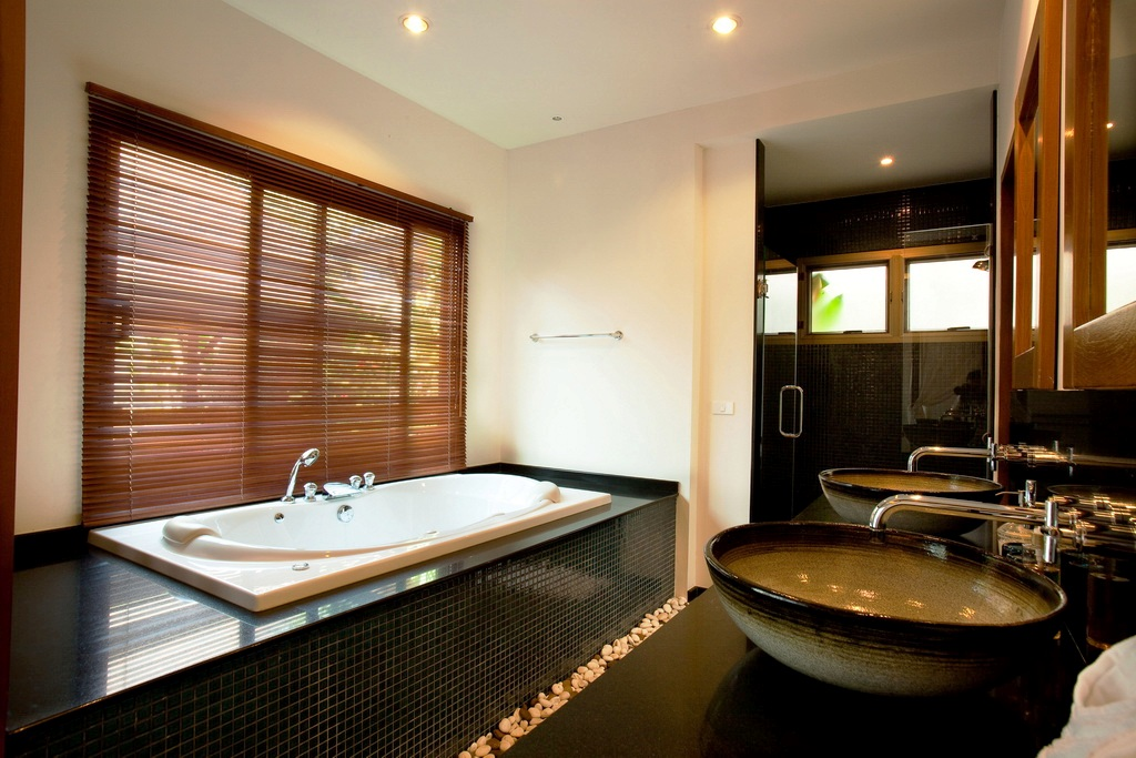 Private pool villa in Nai Harn for rent-v1_7511_j.jpg