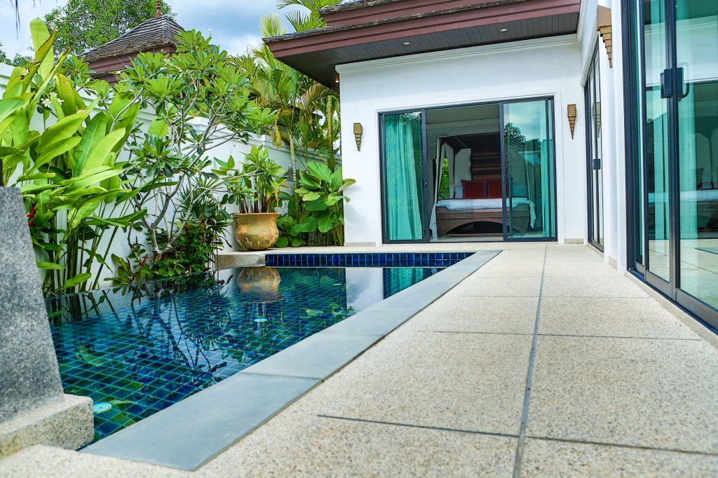 Luxurious Pool Villa For Rent-v1_1060_d.jpg