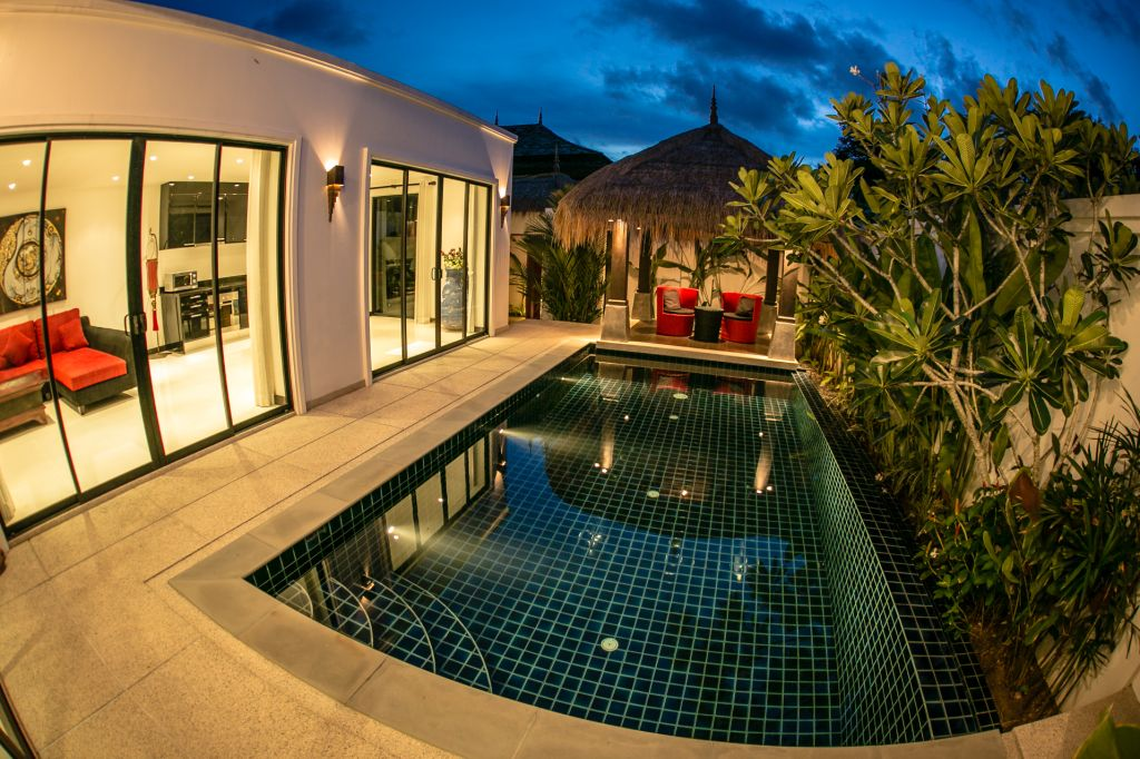 Luxurious Pool Villa For Rent-v1_9473_s.jpg