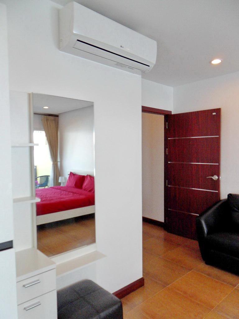 Modern townhouse for rent-v1_2085_gg.jpg