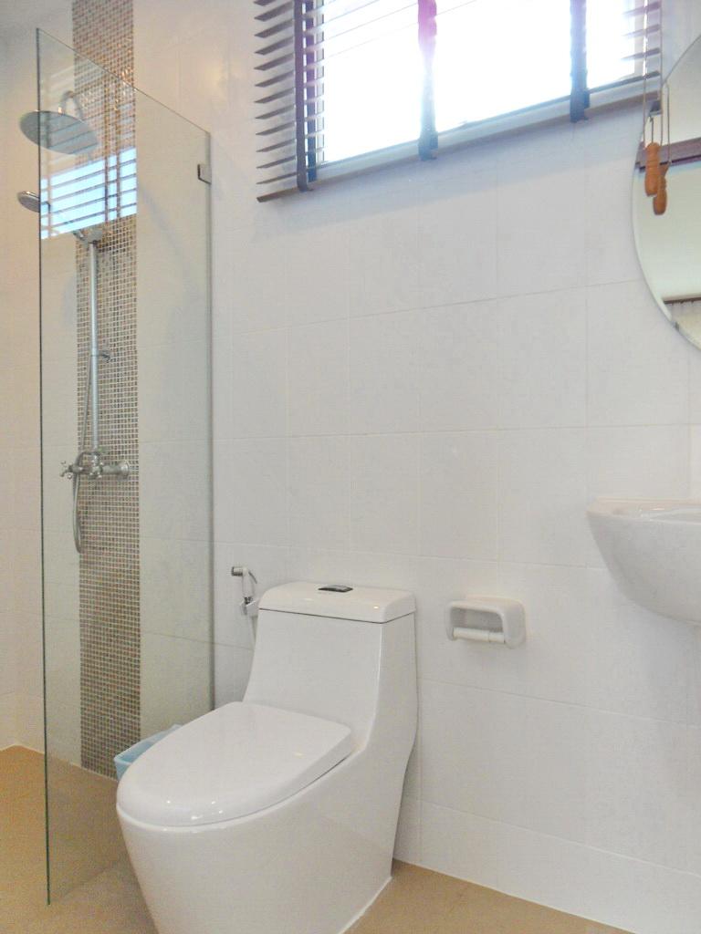 Modern townhouse for rent-v1_3508_m.jpg