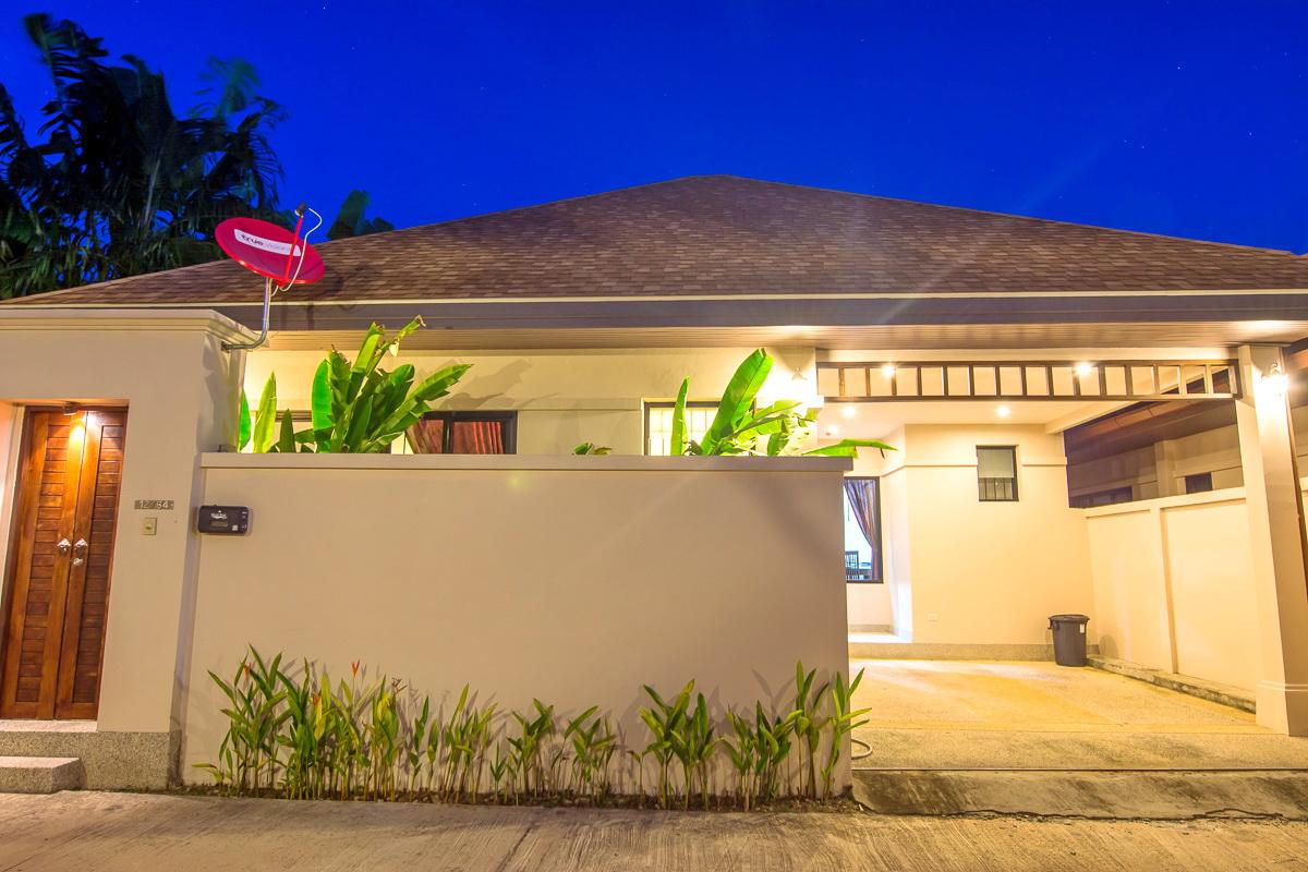 immobilien zum verkauf 2 schlafzimmer villen h user zum verkauf in rawai phuket thailand. Black Bedroom Furniture Sets. Home Design Ideas