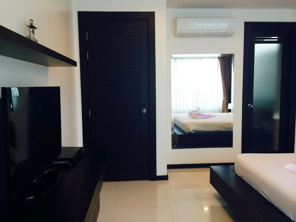 Spacious 1st floor 1 Bed in Kamala for Rent-rkm175-10.JPG