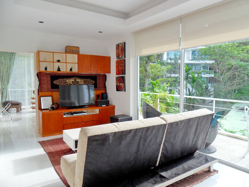 Spacious Modern condo in Kamala for Sale-v1_2344_moderncondoinkamalaforsale-04.jpg