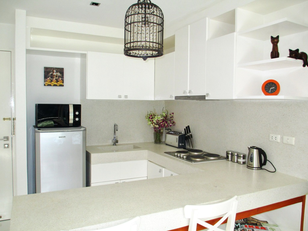 Spacious Modern condo in Kamala for Sale-v1_2608_moderncondoinkamalaforsale-08.jpg