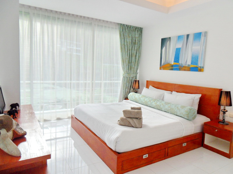 Spacious Modern condo in Kamala for Sale-v1_3217_moderncondoinkamalaforsale-10.jpg