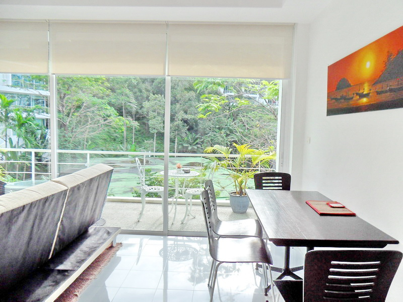 Spacious Modern condo in Kamala for Sale-v1_3990_moderncondoinkamalaforsale-05.jpg