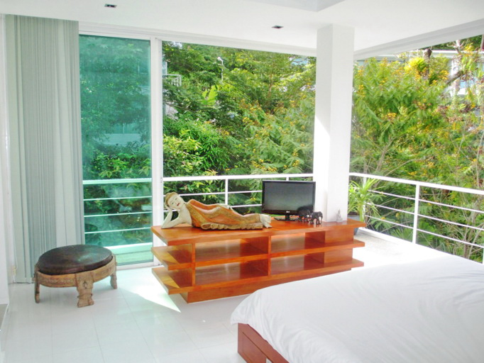 Spacious Modern condo in Kamala for Sale-v1_4358_moderncondoinkamalaforsale-09.jpg