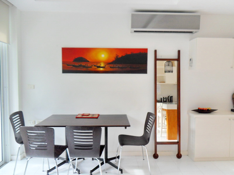 Spacious Modern condo in Kamala for Sale-v1_6526_moderncondoinkamalaforsale-06.jpg