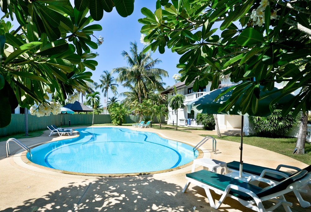 Ample 2 Bedroom Apartment for Sale in Rawai-Pool:Garden.jpg