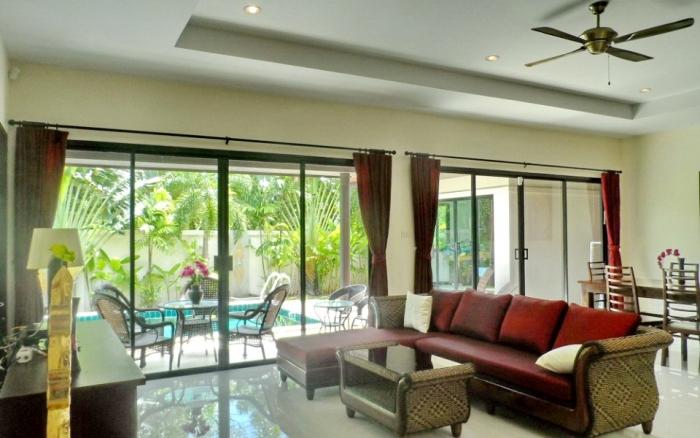 3 Bedrooms Pool Villa in Rawai for Rent-image-thumbnail (3).jpg