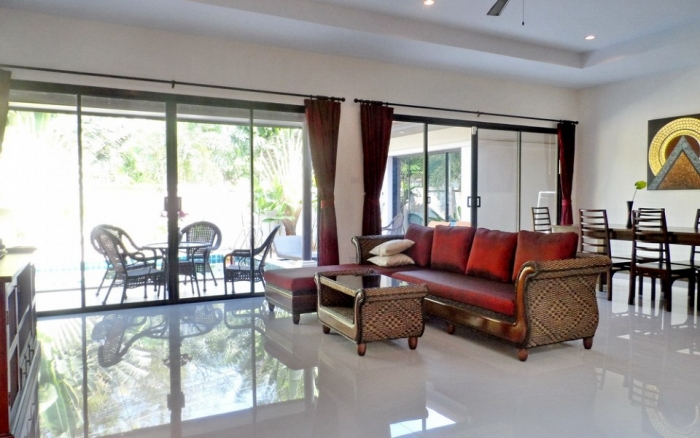 3 Bedrooms Pool Villa in Rawai for Rent-image-thumbnail (6).jpg