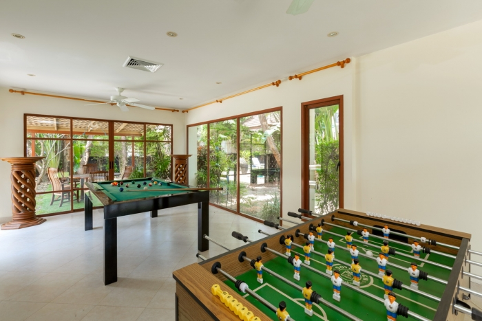 Private Pool Villa in Surin for Sale-5Bedrooms-Villa-Susin-Sale07.JPG