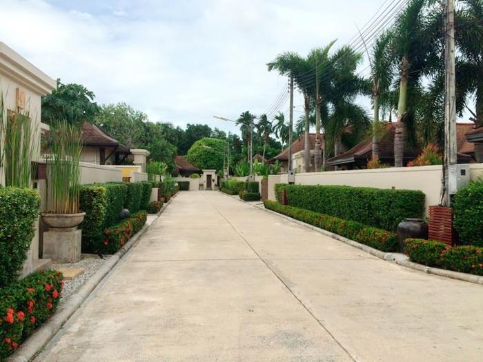 4 Bedrooms Pool Villa in Layan for Rent-4Bedrooms-Villa-Layan-Rent02.jpg