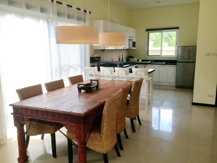4 Bedrooms Pool Villa in Layan for Rent-4Bedrooms-Villa-Layan-Rent15.jpg