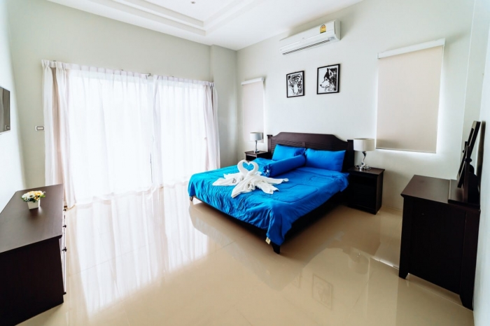 3 Bedrooms Villa in Thalang for Rent