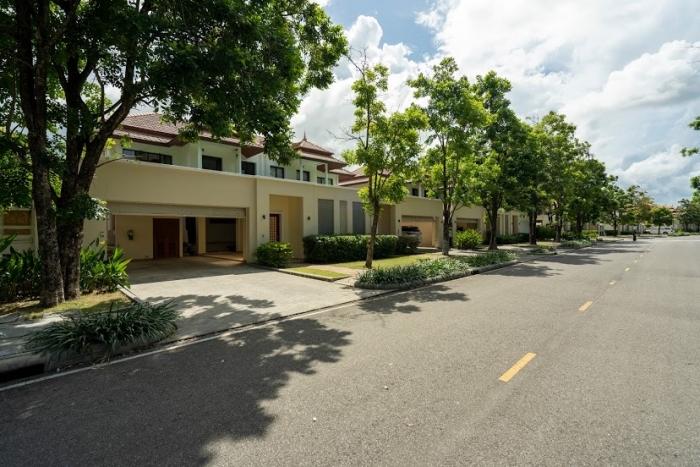3 Bedrooms Townhouse in Laguna for Rent-3Bedrooms-Townhouse-Laguna-Rent14.JPG