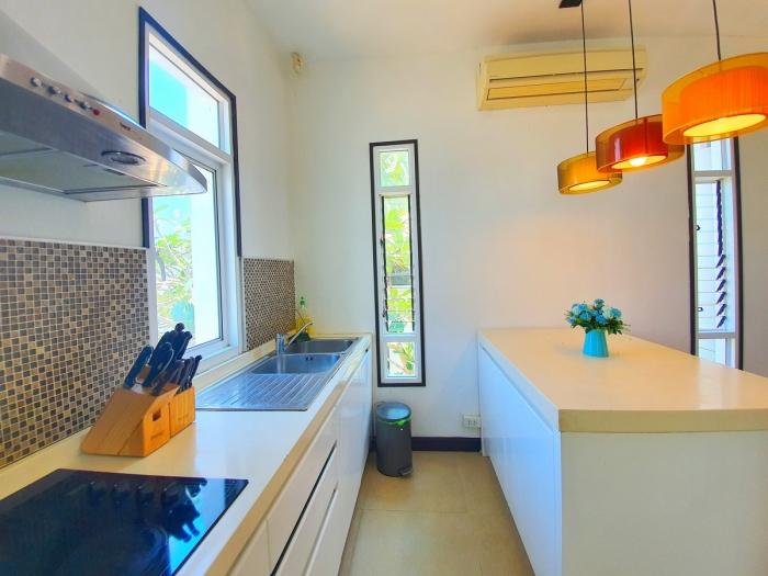 4 Bedrooms Pool Villa in Rawai for Rent-4Bedrooms-Villa-Rawai-Rent19.jpeg