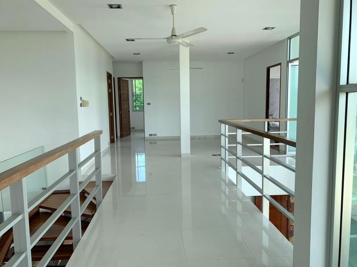 4 Bedrooms Villa in Laguna for Rent-4Bedrooms-Villa-Laguna-Rent27.jpg