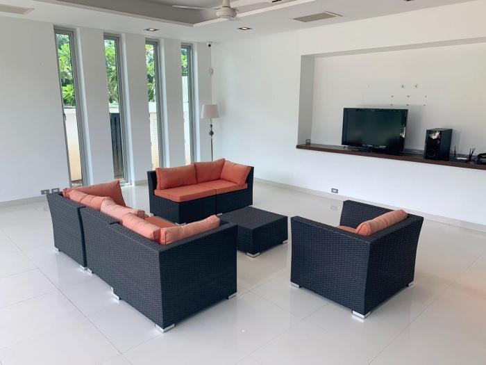 4 Bedrooms Villa in Laguna for Rent-4Bedrooms-Villa-Laguna-Rent05.jpg