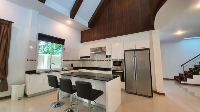 3 Bedrooms Villa in Nai Harn for Rent-3Bedrooms-Villa-Naiharn-Rent25.jpg