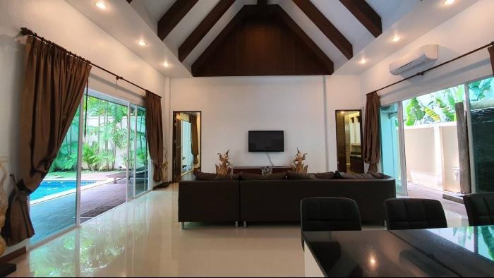 3 Bedrooms Villa in Nai Harn for Rent-3Bedrooms-Villa-Naiharn-Rent20.jpg