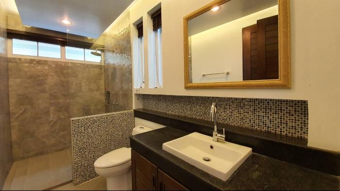 3 Bedrooms Villa in Nai Harn for Rent-3Bedrooms-Villa-Naiharn-Rent18.jpg