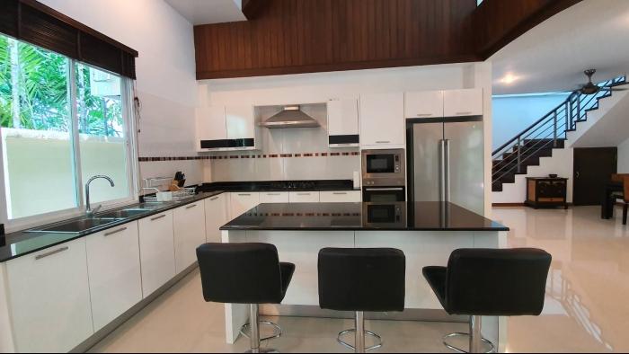 3 Bedrooms Villa in Nai Harn for Rent-3Bedrooms-Villa-Naiharn-Rent29.jpg