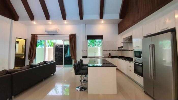 3 Bedrooms Villa in Nai Harn for Rent-3Bedrooms-Villa-Naiharn-Rent31.jpg