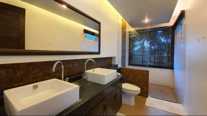3 Bedrooms Villa in Nai Harn for Rent-3Bedrooms-Villa-Naiharn-Rent10.jpg