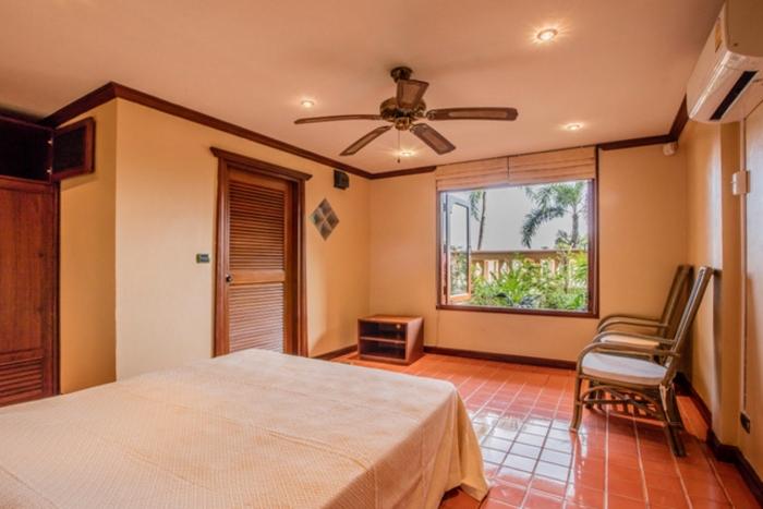 Luxury Thai Style Villa in Layan for Rent-21.jpg