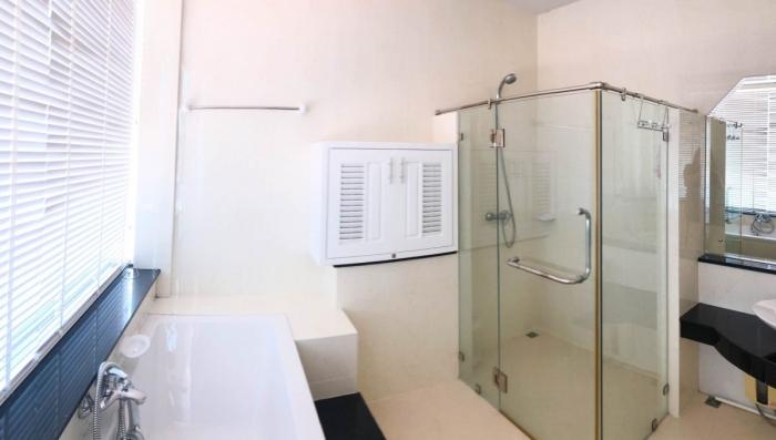 2 Bedroom Condominium in Patong for Rent-24.jpg