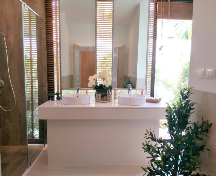 Tropical Pool Villa in Layan for Sale-3bedrooms-Villa-Layan-Sale13.jpg