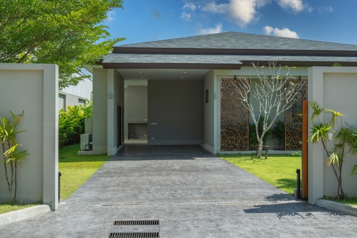 Tropical Pool Villa in Layan for Sale-3bedrooms-Villa-Layan-Sale29.JPG