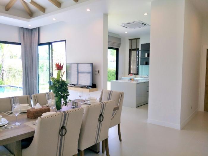 Tropical Pool Villa in Layan for Sale-3bedrooms-Villa-Layan-Sale07.jpg