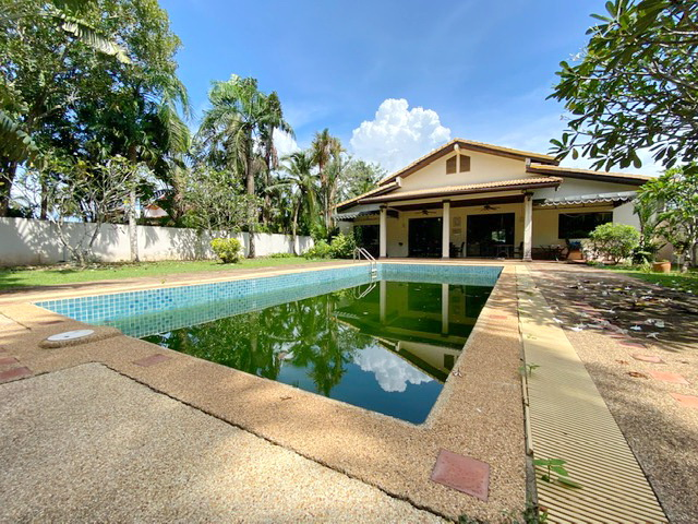 4 Bedroom Villa in Cherng Talay for Sale-PHOTO-2021-06-01-17-18-45.jpg