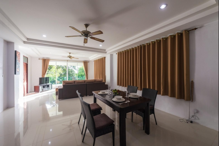 Sea view house in Karon for rent-1(2).jpg